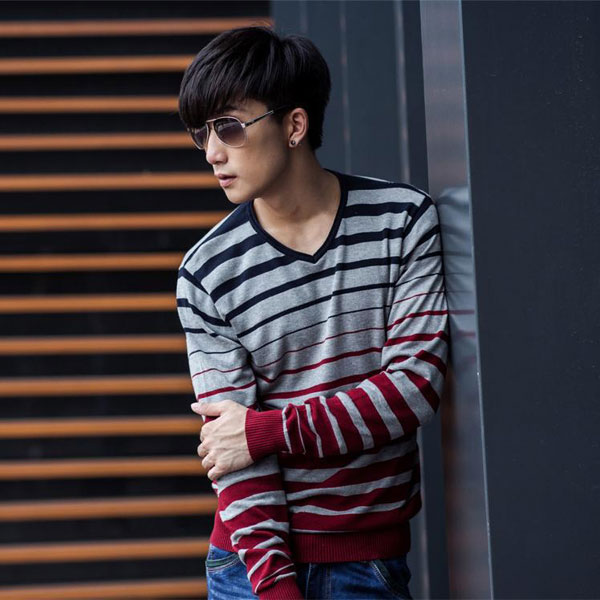Men's Casual striped V-neck Slim Sweater Jumper